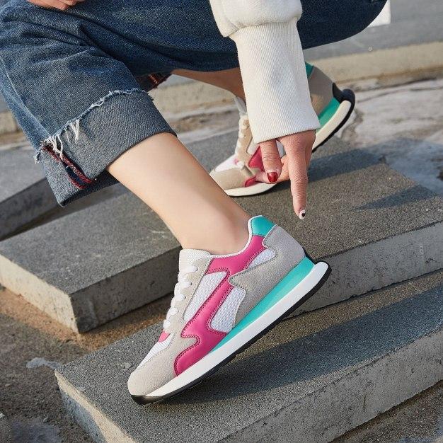 Apricot Round Head Flat Portable Women's Sport Shoes