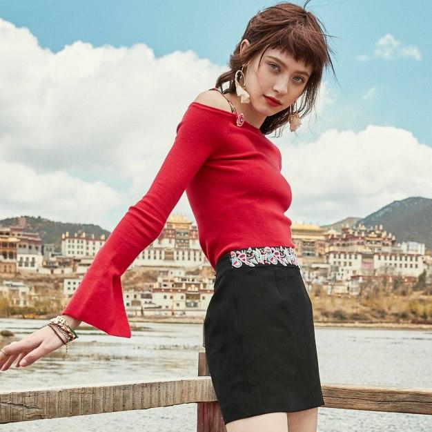 Red Off Shoulder Collar Elastic Long Sleeve Women's Knitwear
