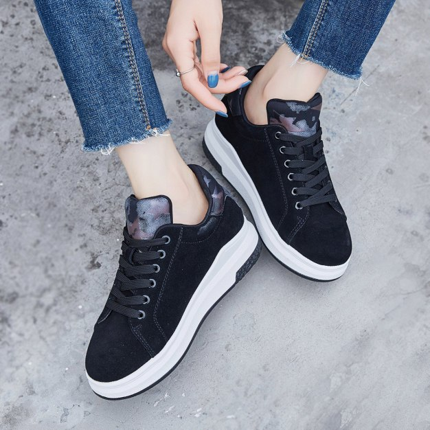 Black Round Head Flat Women's Outdoor Shoes