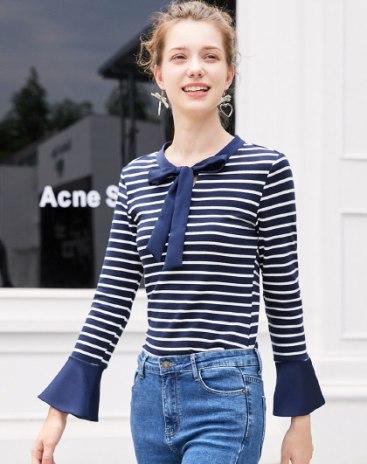 Indigo Stripes Strappy Neck Elastic Women's Knitwear