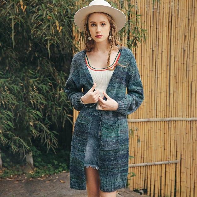 Gradient V Neck Elastic Long Sleeve Standard Women's Knitwear