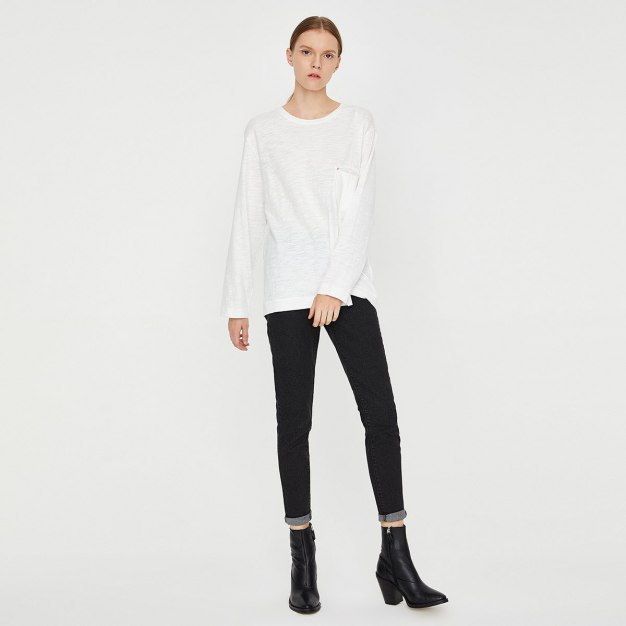 White Contrast Color Round Neck Long Sleeve Women's T-Shirt