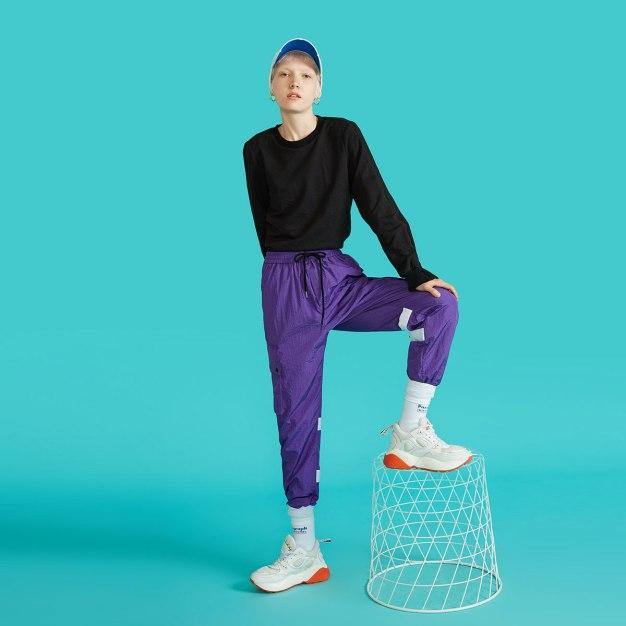 Black Plain Round Neck Long Sleeve Standard Women's Sweatshirt
