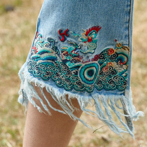 Blue Embroidery 3/4 Length Women's Jeans