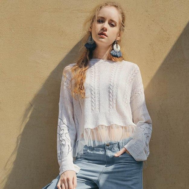 White Plain Round Neck Elastic Long Sleeve Women's Knitwear