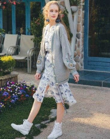 Gray V Neck Single Breasted Long Sleeve Loose Women's Knitwear
