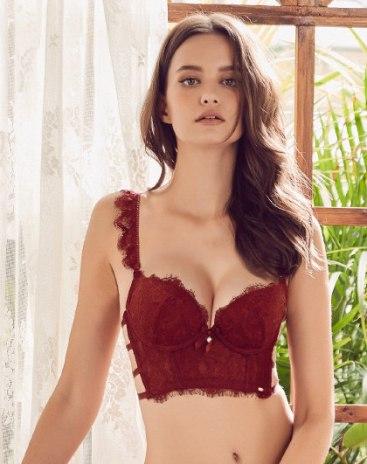 Red Spandex(Lycra) Removeable Strap Women's Bra