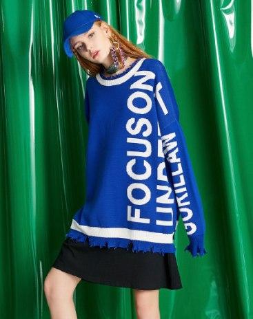 Blue Round Neck Elastic Long Sleeve Loose Women's Knitwear