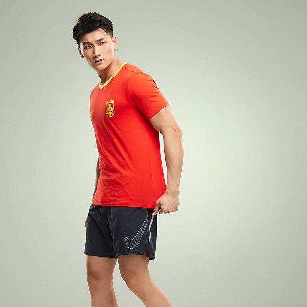 레드 반팔 표준 남성 티셔츠