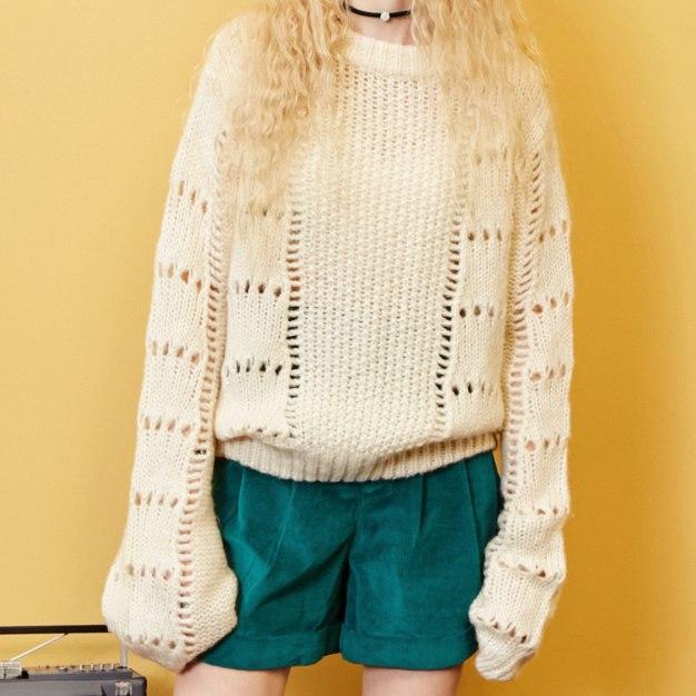 White Round Neck Elastic Long Sleeve Loose Women's Sweater