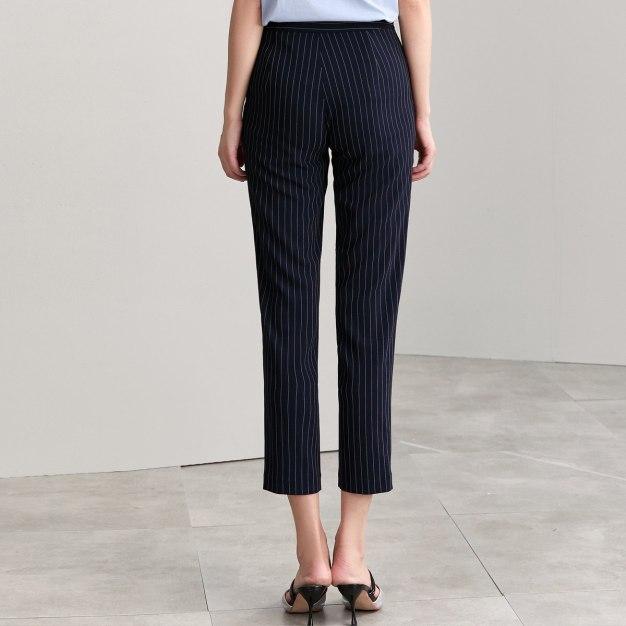 Pockets Cropped Women's Pants