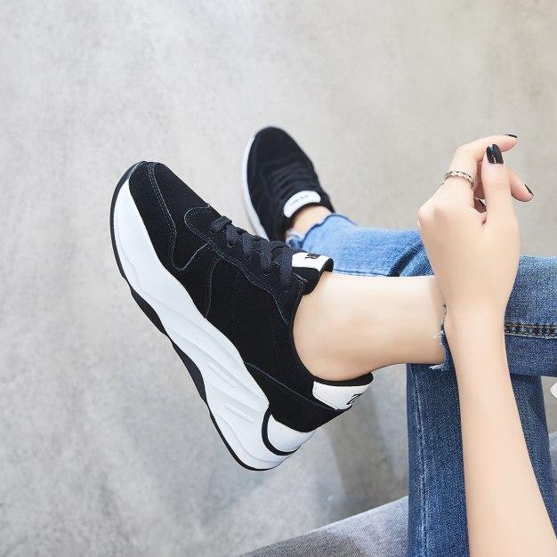 Black Round Head Flat Women's Outdoor Shoes