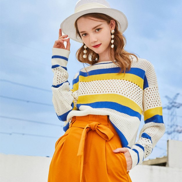 White Stripes Round Neck Elastic Long Sleeve Women's Knitwear