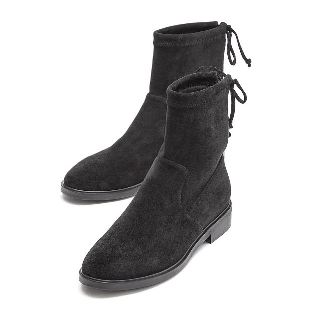 Black High Top Round Head Low Heel Medium Cylinder Women's Boots