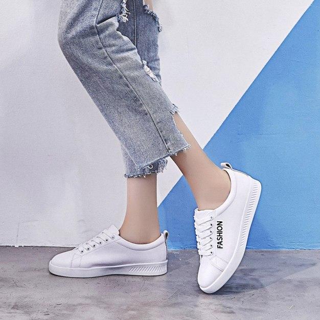 White Round Head Flat Anti Skidding Women's Outdoor Shoes