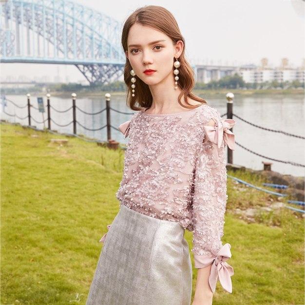 Pink Round Neck Elastic 3/4 Sleeve Standard Women's Shirt
