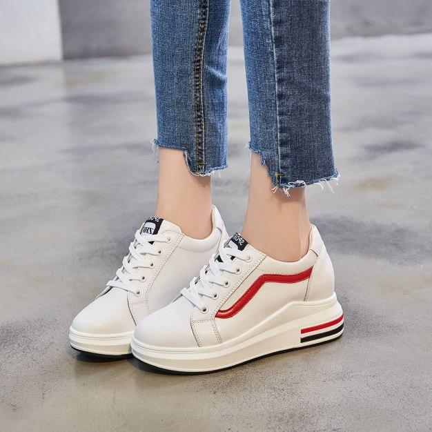 White Round Head Internal Heighten Women's Outdoor Shoes