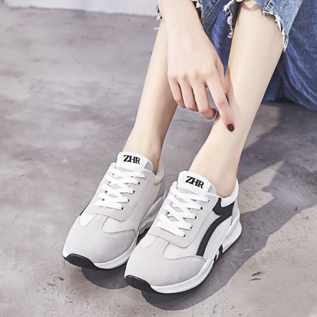 Apricot Round Head Flat Women's Outdoor Shoes