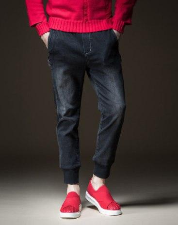 Чёрные мужские джинсы
