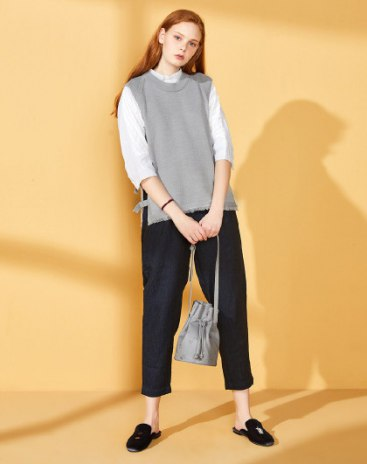 Gray Plain Sleeveless Standard Women's Knitwear