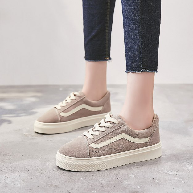 Apricot Round Head Flat Anti Skidding Women's Outdoor Shoes