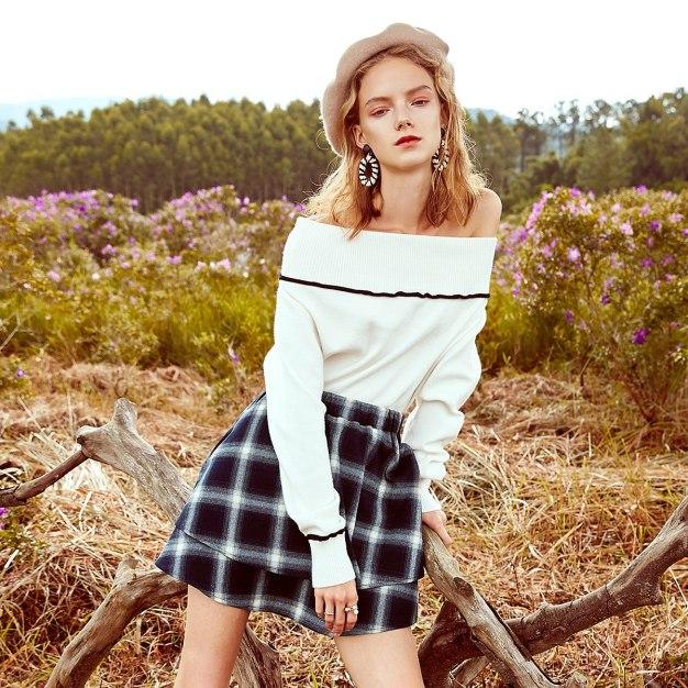 White Off Neckline Elastic Long Sleeve Standard Women's Sweater