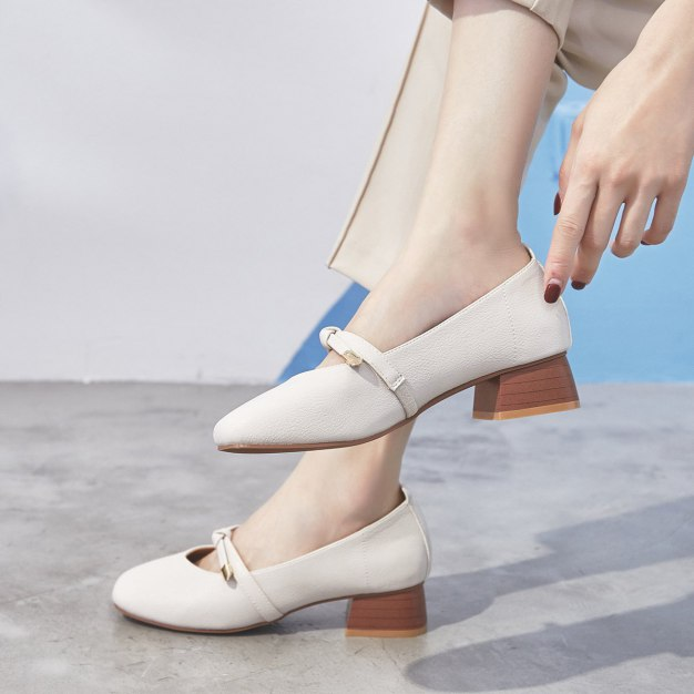 Gray Square Toe of Shoes Middle Heel Anti Skidding Women's Pumps