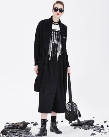 Black Plain Lapel Long Sleeve Loose Women's Knitwear