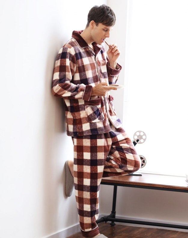 Polyester Sleeve Thickened And Cashmere Men's Loungewear