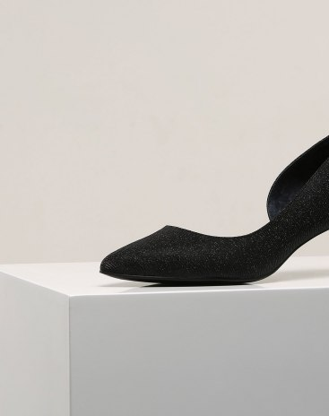 Black Pointed Middle Heel Women's Close Toe Shoes