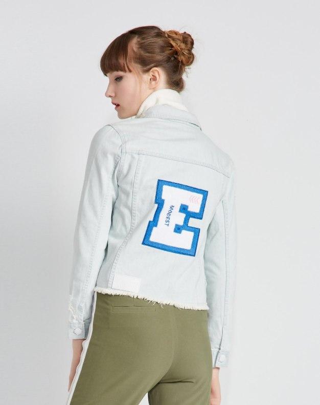블루 알파벳 싱글 버튼 긴소매 표준 여성 아우터