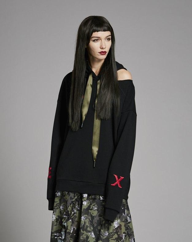 블랙 알파벳 긴소매 표준 여성 맨투맨티셔츠