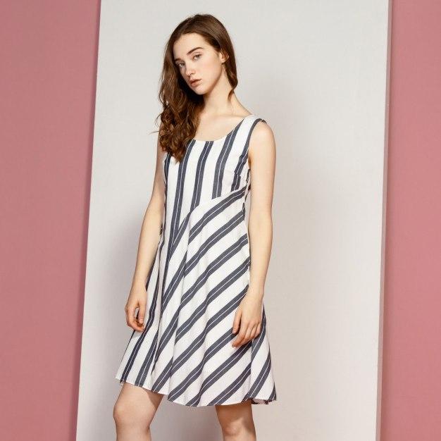 Round Neck Sleeveless Fitted Women's Dress