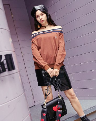 Brown Flat Collar Long Sleeve Anti-Pilling Loose Women's T-Shirt