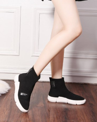 Black High Top Round Head Middle Heel Portable Women's Boots