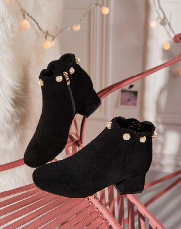 Black High Top Pointed Middle Heel Women's Boots
