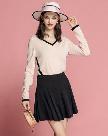 Pink Plain V Neck Short Sleeve Women's Knitwear