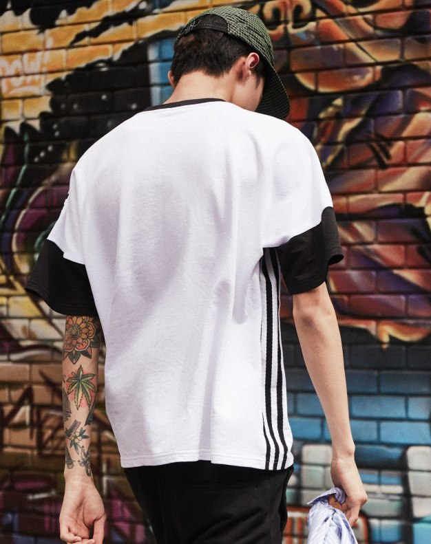 White Contrast Color Round Neck Short Sleeve Men's T-Shirt