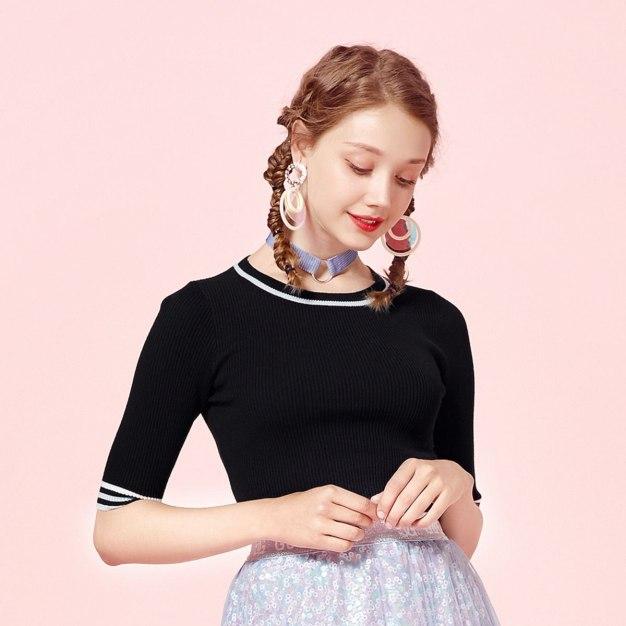 Black Stripes Round Neck Short Sleeve Standard Women's Knitwear