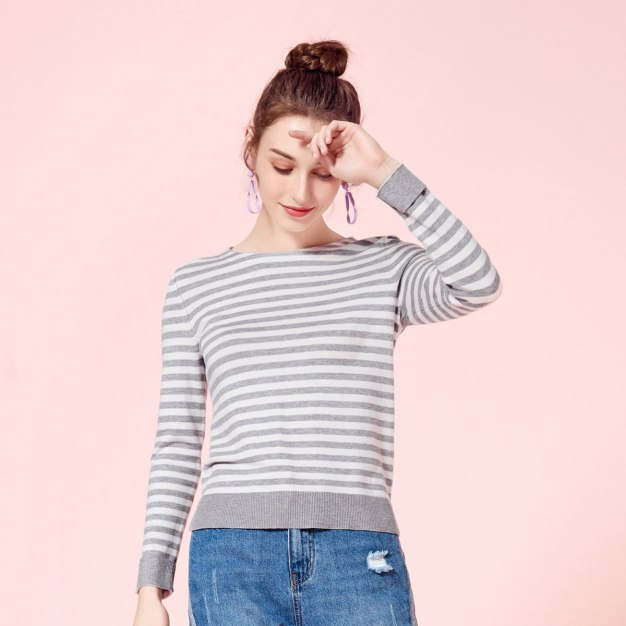 Stripes Round Neck Long Sleeve Standard Women's Knitwear
