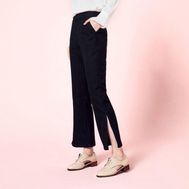 Black Pockets Cropped Women's Pants