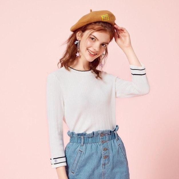 White Round Neck Long Sleeve Standard Women's Sweater