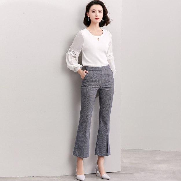 White Round Neck Long Sleeve Standard Women's Knitwear
