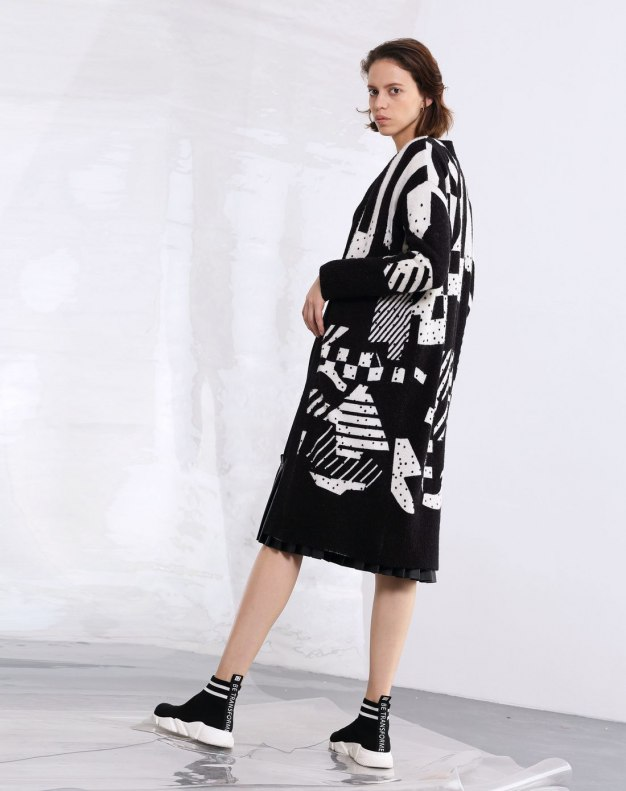 Round Neck Single Breasted Long Sleeve Women's Knitwear