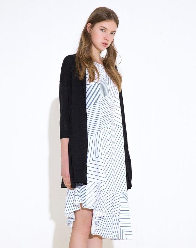 Black Plain Regular Collar 3/4 Sleeve Loose Women's Knitwear