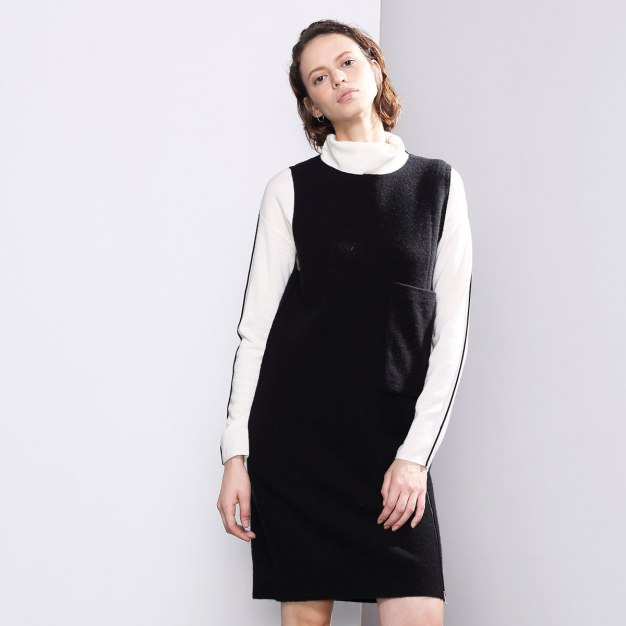 Black Round Neck Sleeveless 3/4 Length Women's Dress