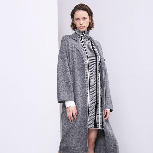 Plain Lapel Elastic Long Sleeve Standard Women's Knitwear